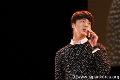 2012 4 8 Jung II-woo at Japan:Korea Festa00033