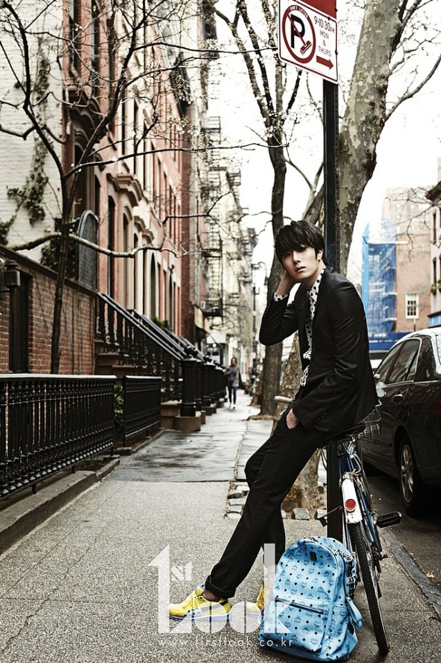 2012 4 Jung II-woo for First Look Magazine Vol. 19 New York, Ordinary 00002