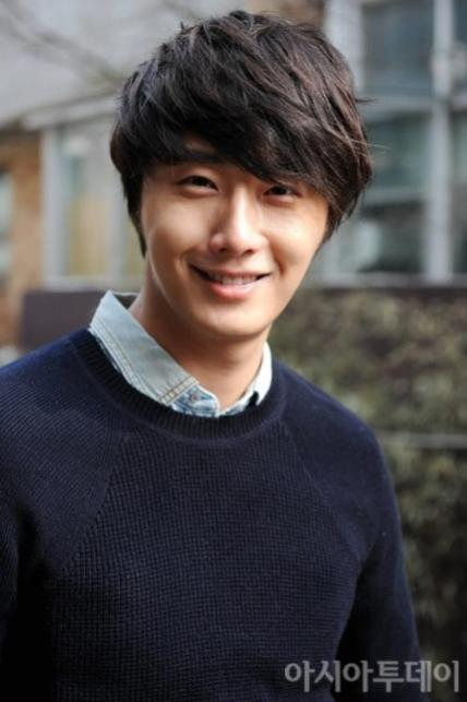 Jung II-woo 2012 3 3