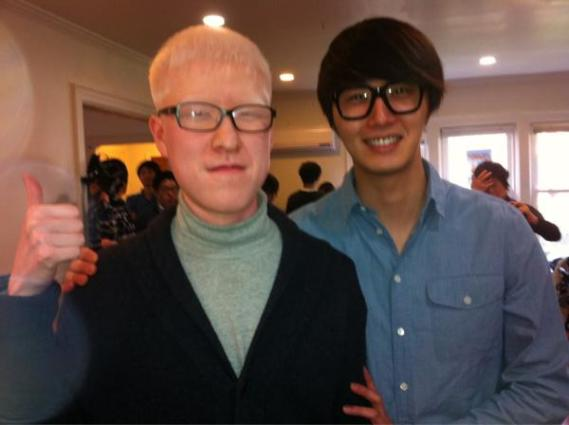 Jung II-woo visits the Hyundai Office of Miracle Disability Mission in NYC 2012 03 Cr. Faru2000003