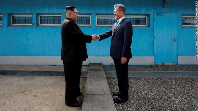 180427090041-08-koreas-summit-0427-restricted-exlarge-169.jpg