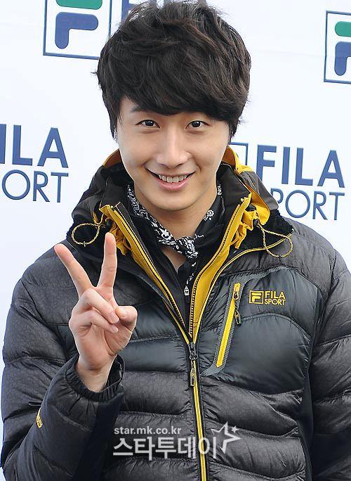 2012 11 3 Jung II-woo for FILA's Green Campaign00018