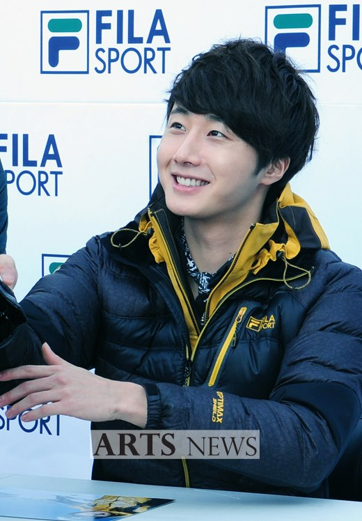 2012 11 3 Jung II-woo for FILA's Green Campaign00061