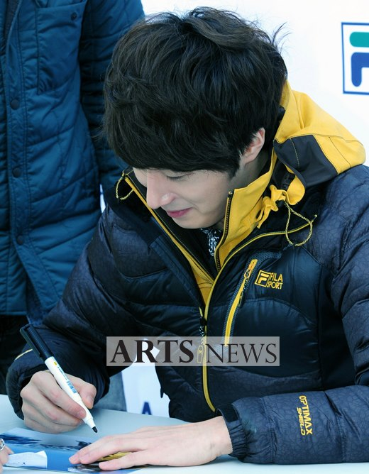 2012 11 3 Jung II-woo for FILA's Green Campaign00066