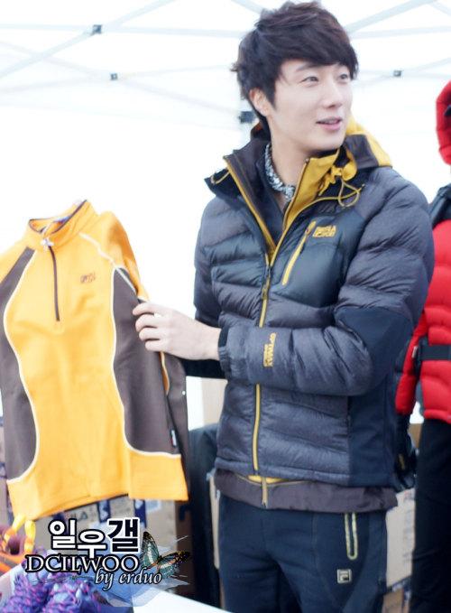 2012 11 3 Jung II-woo for FILA's Green Campaign00077