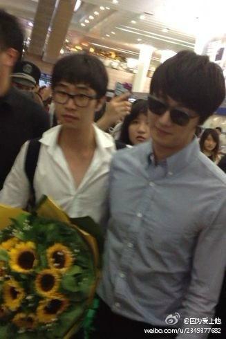 2012 6 15 Jung II-woo Shanghai Airport arrival00008