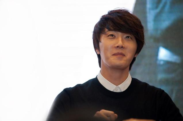 2012 9 23 Jung II-woo in Holika Holika's Fan Meet in Malaysia 00022
