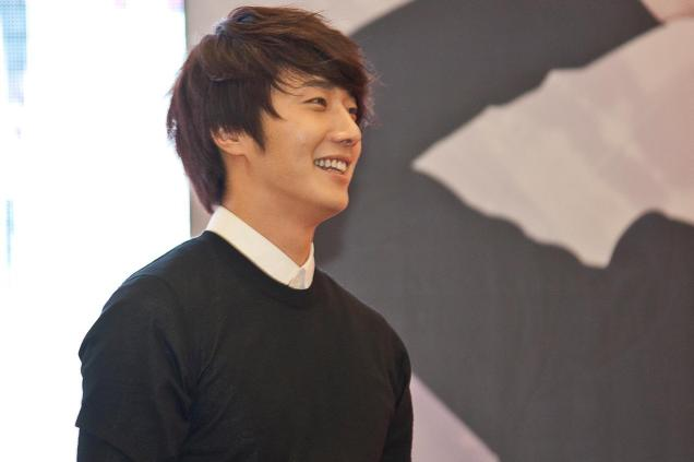 2012 9 23 Jung II-woo in Holika Holika's Fan Meet in Malaysia 00025