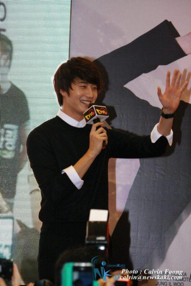 2012 9 23 Jung II-woo in Holika Holika's Fan Meet in Malaysia 00026
