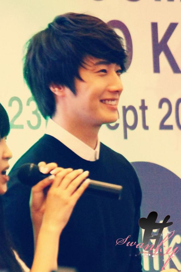 2012 9 23 Jung II-woo in Holika Holika's Fan Meet in Malaysia 00033