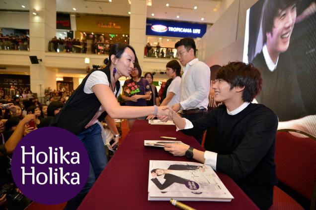 2012 9 23 Jung II-woo in Holika Holika's Fan Meet in Malaysia 00055