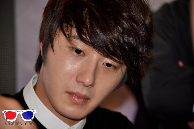 2012 9 23 Jung II-woo in Holika Holika's Fan Meet in Malaysia 00056