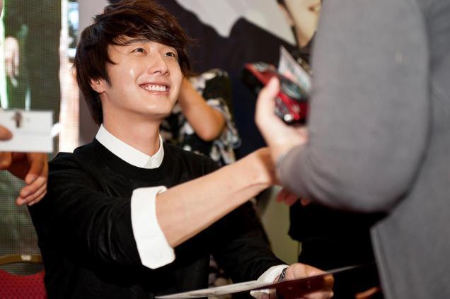 2012 9 23 Jung II-woo in Holika Holika's Fan Meet in Malaysia 00066
