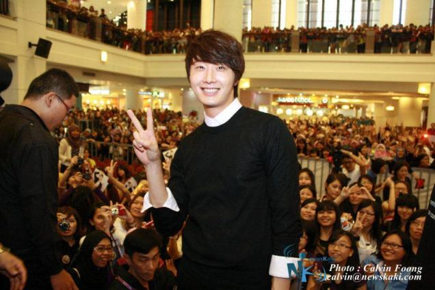 2012 9 23 Jung II-woo in Holika Holika's Fan Meet in Malaysia 00072