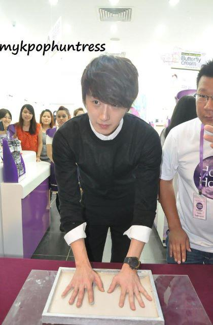2012 9 23 Jung II-woo in Holika Holika's Fan Meet in Malaysia 00126