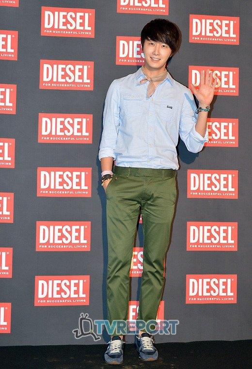 2012 9 7 Jung II-woo for Diesel 00004