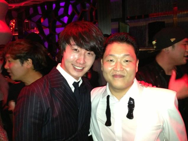 Jung II-woo at the MAMA Awards Weibo Post 11-30-2012.  3.jpg