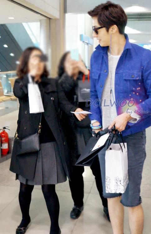 2013 2 22 Jung II-woo in Holika Holika Event in Myanmar (Airport Arriving back in Seoul) 00009