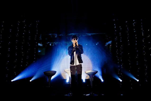 Jung II-woo at Taiwan's Fan Meeting 2012 12 8 Singing 00017