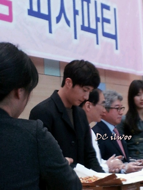 Jung II-woo participates in Domino's Hope Sharing Pizza Party.00012