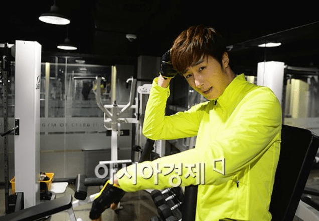 2013 12 14 Jung II-woo Exercising. Cr. asiae.co.kr2