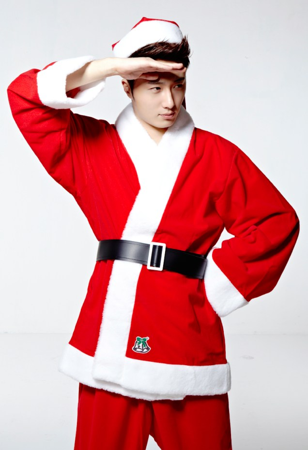 Jung II-woo as Santa. 2013 12 1