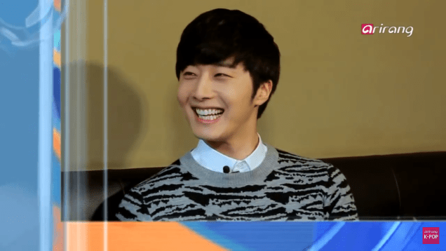 Jung II-woo in interview for Arirang TV. March 2014 14