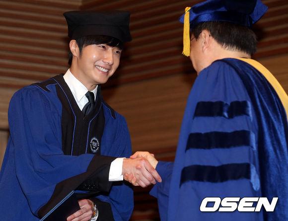 Jung II-woo's Graduation Hanyang University 2014 2 20 12