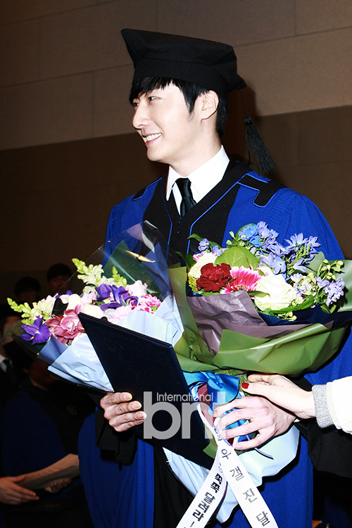 Jung II-woo's Graduation Hanyang University 2014 2 20 15