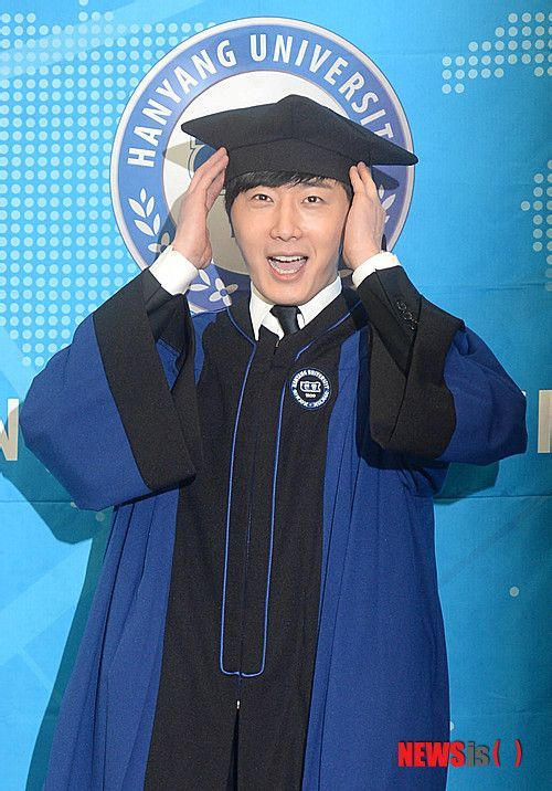 Jung II-woo's Graduation Hanyang University 2014 2 20 20