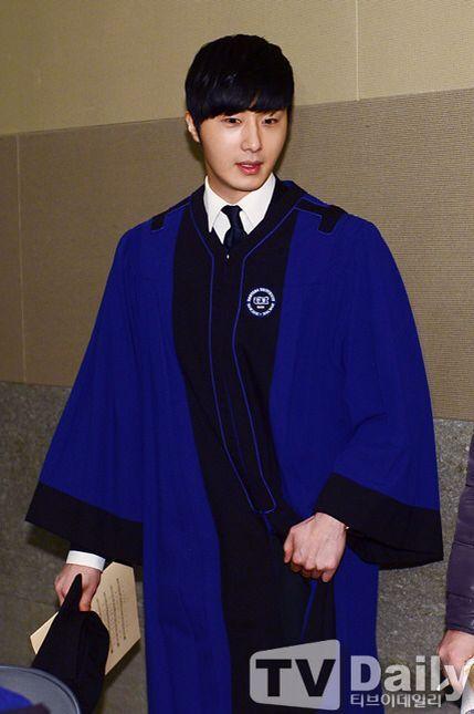 Jung II-woo's Graduation Hanyang University 2014 2 20 4