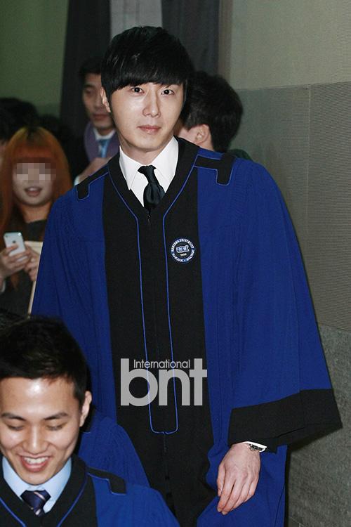 Jung II-woo's Graduation Hanyang University 2014 2 20 6