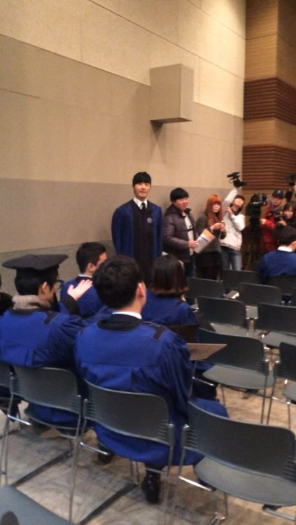 Jung II-woo's Graduation Hanyang University 2014 2 20 Fan Taken 1