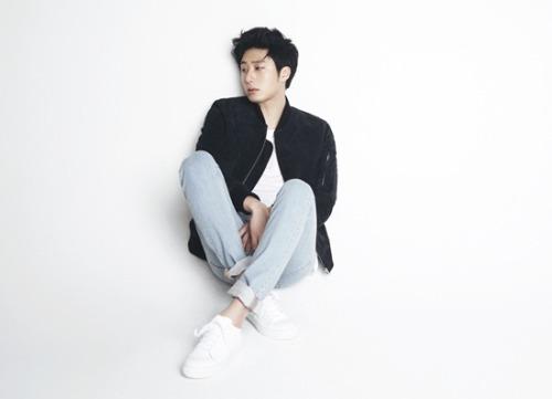 Jung Il-woo  April 2014  3.jpg