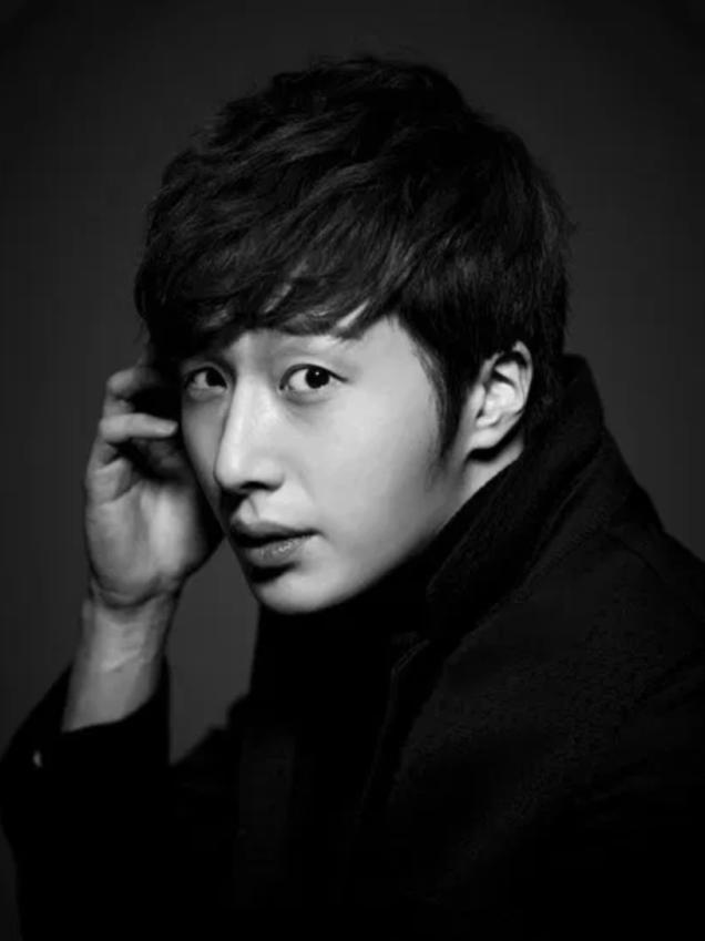 Jung Il-woo in UJIWP Feb-Mar 2014 6