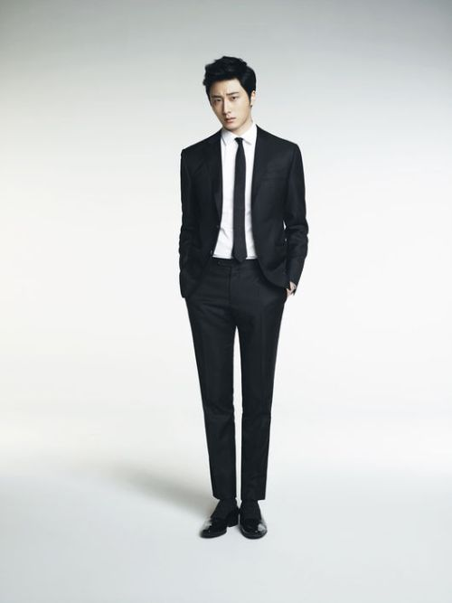 Jung Il-woo in various photos from interviews in April of 2014. 13