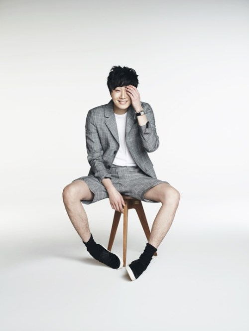 Jung Il-woo in various photos from interviews in April of 2014. 18