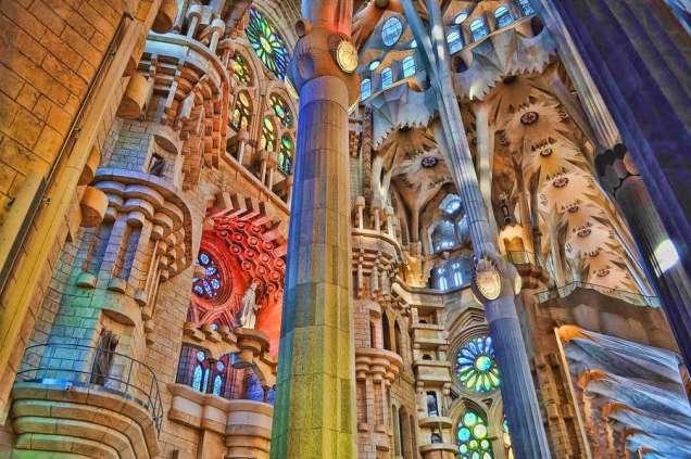 La Sagrada Familia Textures by blog Mozaico.com.jpg