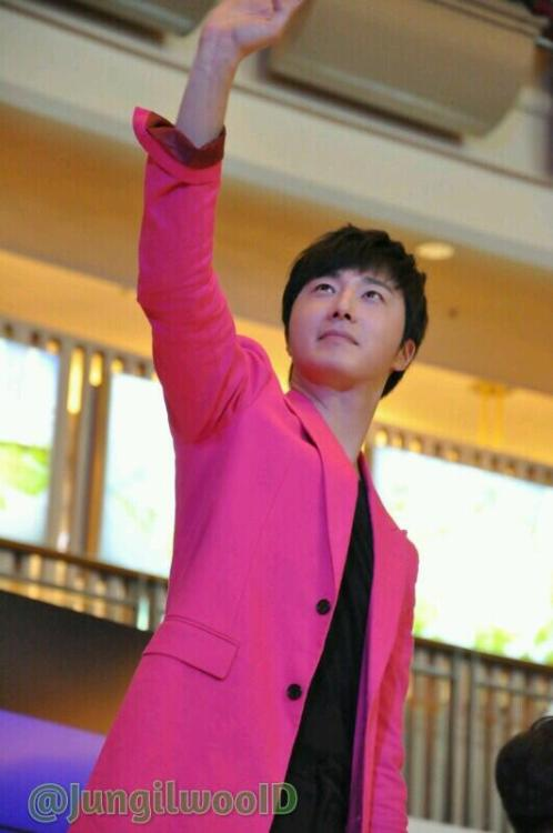 2014 5 27 Jung II-woo in Greet and Meet Holika Holika Greet and Meet 1
