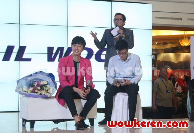 2014 5 27 Jung II-woo in Greet and Meet Holika Holika Greet and Meet 19