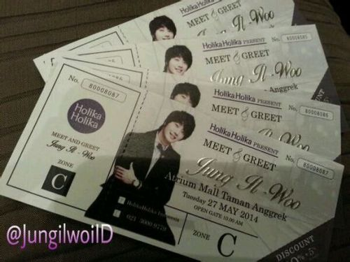2014 5 27 Jung II-woo in Greet and Meet Holika Holika Greet and Meet Set Up 6
