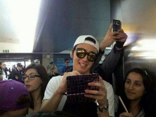 2014 6 Jung Il-woo arrives to Brazil. 3