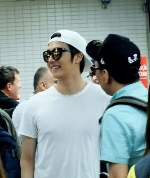 2014 6 Jung Il-woo arrives to Brazil. 6
