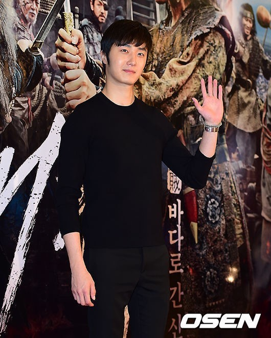 2014 7 29 Jung II-woo in the VIP presentation of Pirates. 4