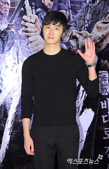 2014 7 29 Jung II-woo in the VIP presentation of Pirates. 8