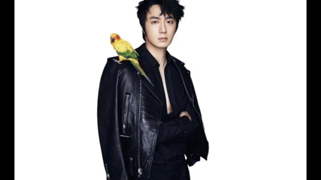 2014 7 Jung II-woo in Celebrity Magazine. Stills from videos Part 2 6