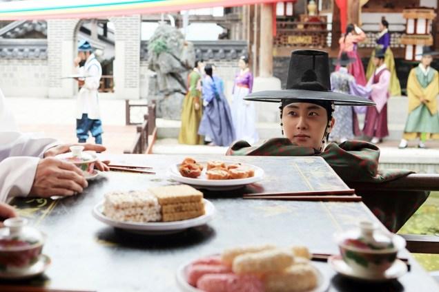 2014 8 11 Jung II-woo in The Night Watchman's Journal Ep 4 MBC BTS 1.jpg
