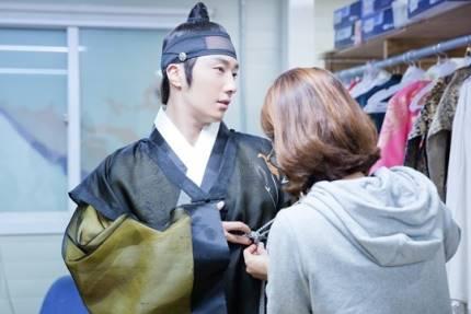 "2014 8 5 Jung II-woo ""here comes Prince Lee Rin"" Cr. Starcast 24.jpg"