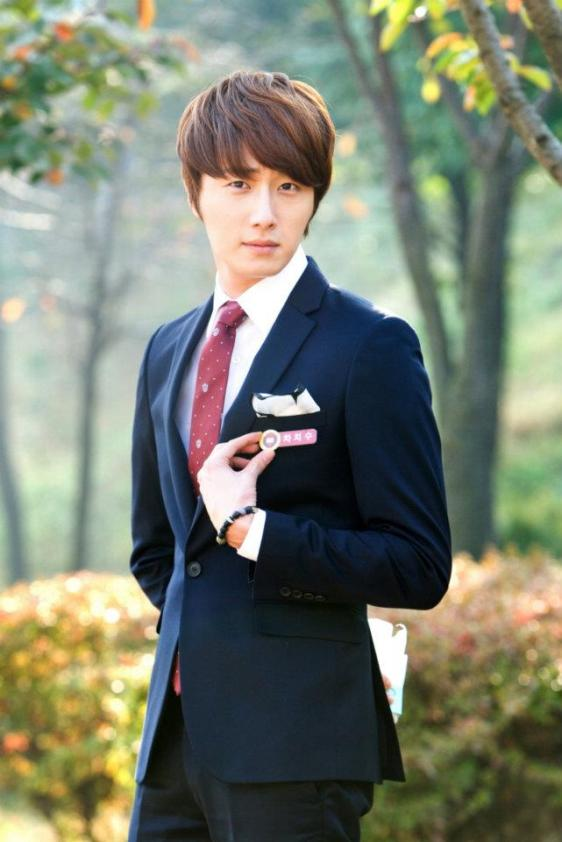 2011 Flower Boy Ramyun Shop Jung II-woo 100122.jpg