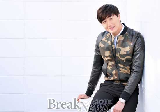 2014 11 Jung Il-woo in a camouflage jacket photo shoot 7